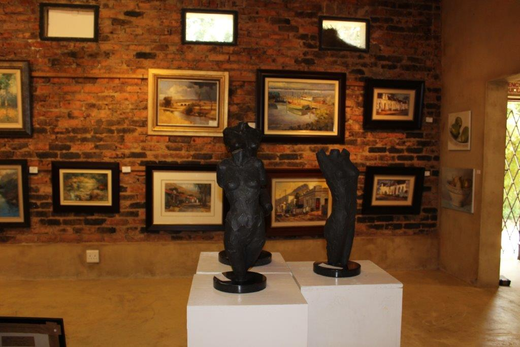 Riverbend Art and Wine Gallery (7)